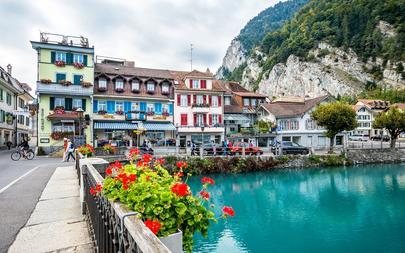 shutterstock_325867277-Old-Town-of-Interlaken_-Switzerland