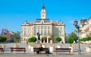 shutterstock_254741215-2City-Hall-in-main-square-of-Novi-Sad_-Serbia