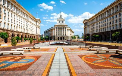 shutterstock_285063071-An-architectural-ensemble-of-three-Socialist-Classicism-edifices-in-central-Sofia_-the-capital-of-Bulgaria