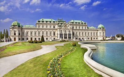 shutterstock_137660276-beautiful-Belvedere-castle_-Vienna