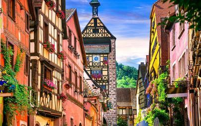 shutterstock_485956174-Most-beautiful-villages-of-France---Riquewihr-in-Alsace