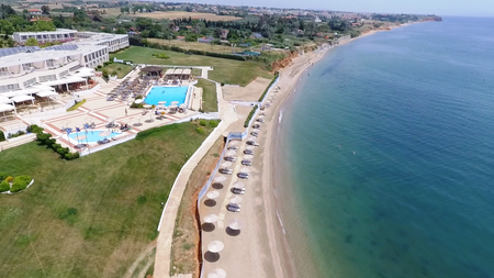 aerial_view_beach_swimming_pools