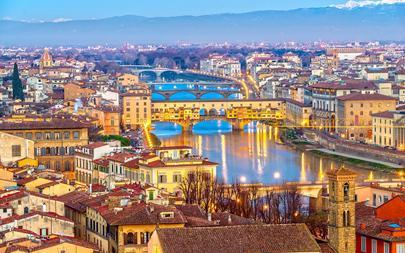 shutterstock_376672978-Sunset-view-of-Ponte-Vecchio_-Florence_-Italy