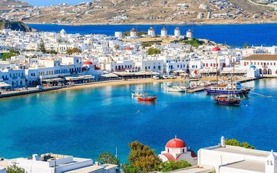 shutterstock_427675363-Mykonos-port-with-boats