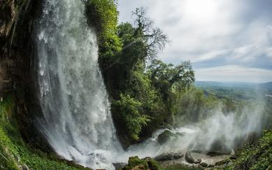 shutterstock_275689469-Exciting-and-powerful-waterfalls-in-Edessa_-northern-Greece