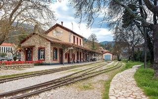 shutterstock_428742673-The-Old-Traditional-Railroad-Station-at-Kalavryta_Greece