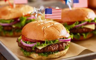shutterstock_431797594tray-of-burgers-with-4th-of-july-theme