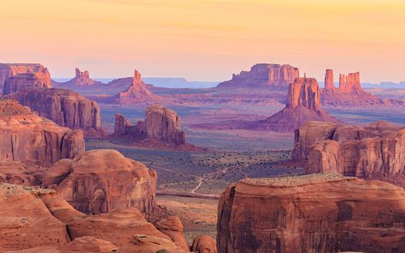 shutterstock_257482249-Sunrise-in-Hunts-Mesa_-Monument-Valley_-Arizona_-USA