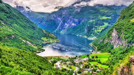 norwegian-fjords-and-coastal-treasures-nfact116-h3