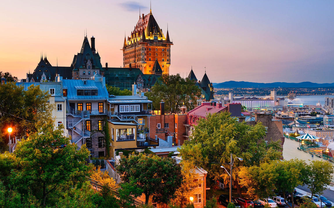 τοπικές γνωριμίες στον Καναδά πεντατίξ Κίρστι και AVI που χρονολογούνται