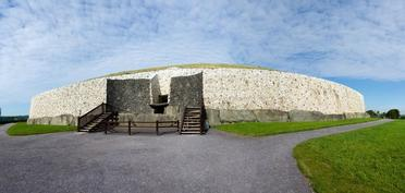 Newgrange-Ireland_Resized