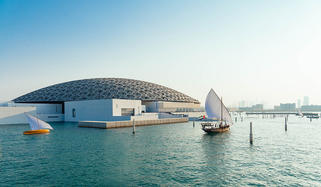 new-louvre-abu-dhabi-with-ships