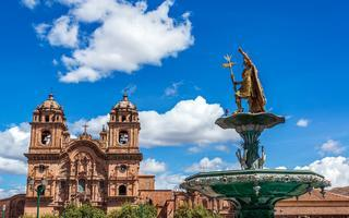 shutterstock_258624461-Church-and-Incan-fountain-in-the-Plaza-de-Armas-of-Cusco_-Peru
